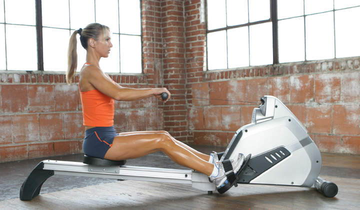 rowing_great-exercises-tone-your-arms.