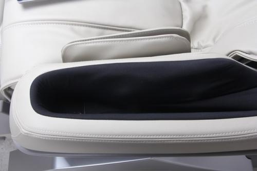 Dynamic Luxury Massage Chair Manhattan-Ivory