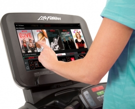 Life Fitness Club Series Treadmill - Discover SE3 HD Console