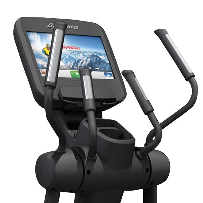 Life Fitness Platinum Club Series Elliptical W/Discover SE
