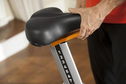 Precor UBK 835 Upright Bike
